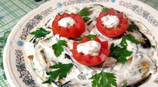 Горячий салат с баклажанами рецепт