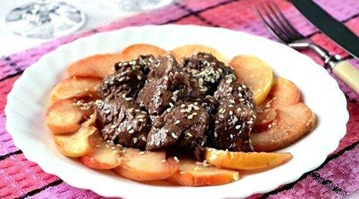 Печень говяжья с яблоками рецепт с фото