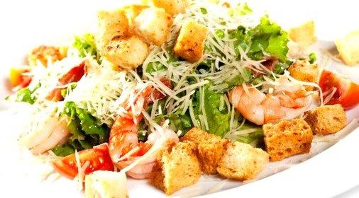 Рецепт салата цезарь пошагово с с морепродуктами